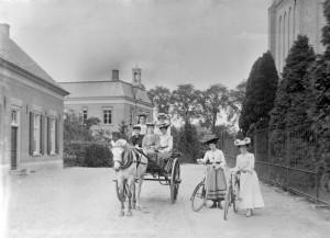 G.M. Burgers, Fotocollectie Gemeente Beuningen